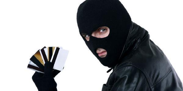 Псевдоработница банка украла у кременчужанина больше 8,5 тыс. гривень