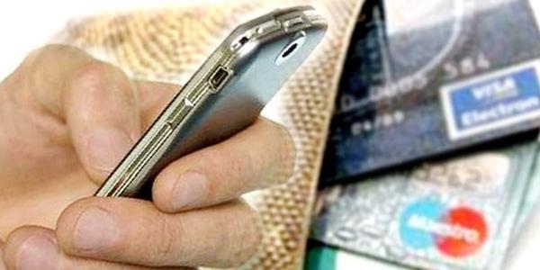 Телефонні та інтернет-шахраї продовжують ошукувати кременчужан