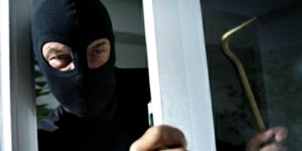 Кражи суток: iPhone, видеорегистратор, ноутбук и мобильник