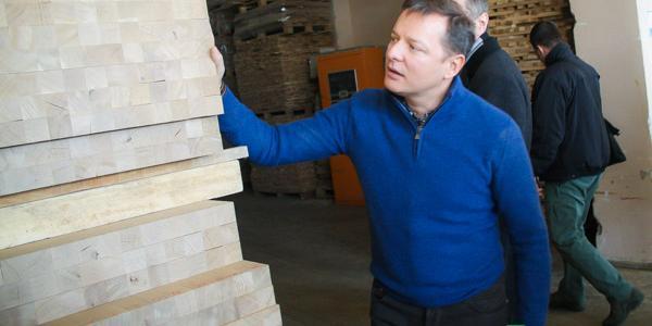 Деревообрабатывающий завод в Кременчуге посетил главный радикал страны Олег Ляшко
