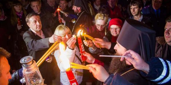 Благодатный Огонь привезут в Кременчуг 15 апреля