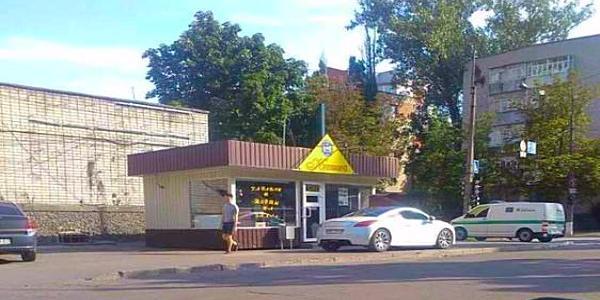 У Кременчуці «мажорам» закон не писаний: паркуються, як схочуть?