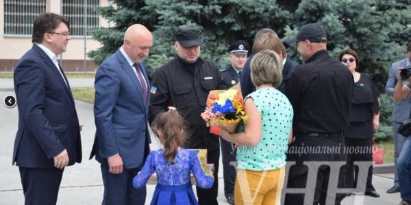 Бойцы батальона «Полтава» сегодня получили ключи от квартир из рук властьимущих