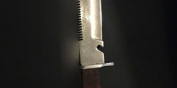 Кременчугские полицейские задержали мужчину, размахивавшего ножом возле магазина