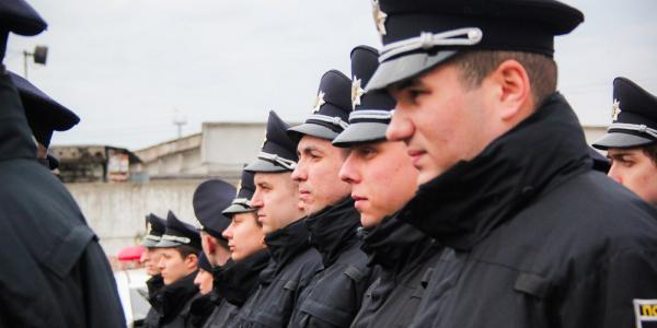 Кременчугские полицейские помогут в Киеве нести коллегам усиленный вариант несения службы