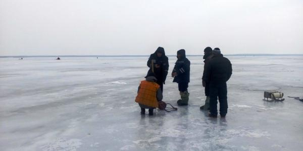 В Куцеволовке под Кременчугом подо льдом погиб рыбак