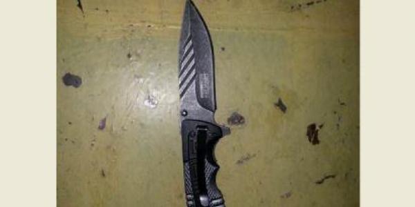 Кременчужанин, вооруженный ножом,  разгуливал по детской площадке