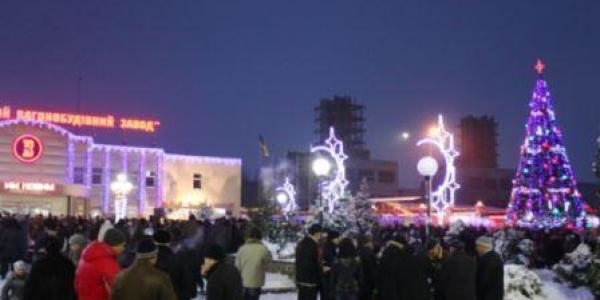 На Раковке в новогоднюю ночь полицейским разбили авто