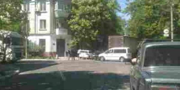 В центре Кременчуга фура «затерла» легковушку