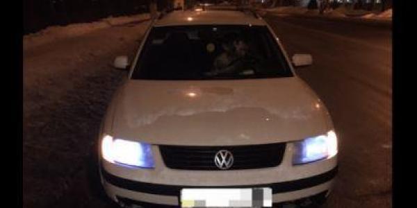 В Кременчуге водитель авто Volkswagen Passat гонял ночью с поддельными документами