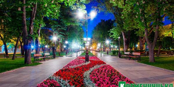 В 2017 обещают закончить реконструкцию сквера Бабаева