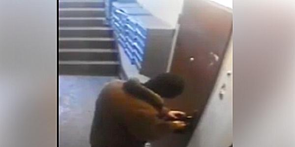 На Молодежном камера видеонаблюдения в подъезде дома «поймала» домушника