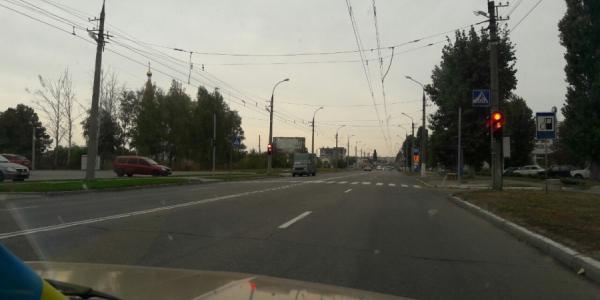 Светофор возле SportLife перенастроят на длительный зеленый для автомобилистов
