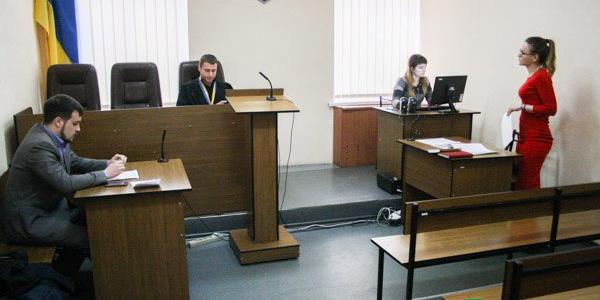 В Кременчуге продолжается судебный процесс, касающийся увольнения с должности главврача Третьей горбольницы Вадима Украинца