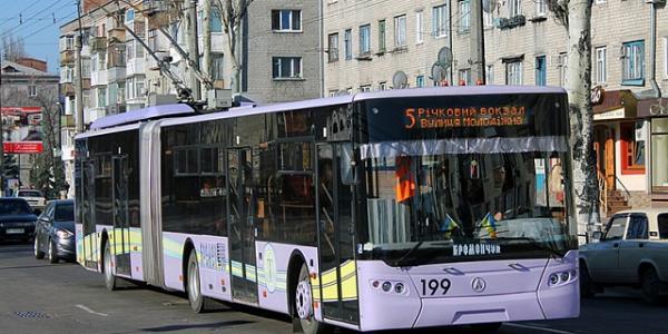Кременчуцький школяр пропонуєзменшення споживання струму тролейбусами