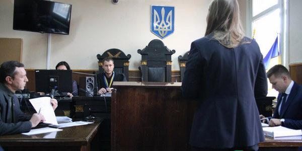 В Кременчуге в Автозаводском суде продолжили слушание дела об избиении отчимом 4-х летнего пасынка, который впоследствии умер