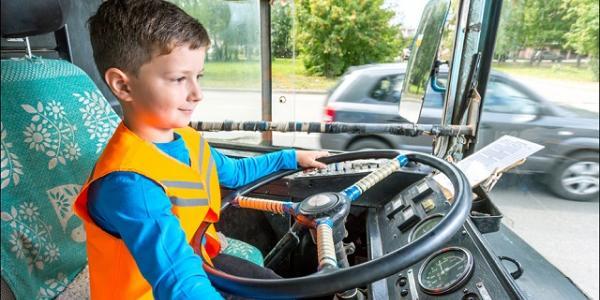 В троллейбусное депо в Кременчуге заманивают зарплатой до 7 тысяч гривень