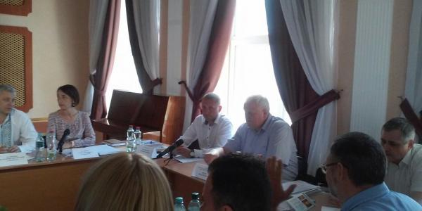 Даже на госпитальном совете Виталий Малецкий вспоминал нардепа Константина Жеваго.