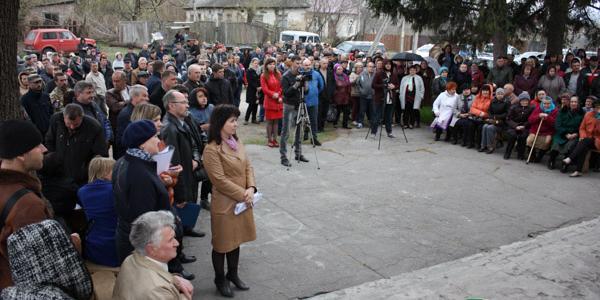 Жители Белецковки на сессии Полтавского облсовета потребуют прекратить дерибан земли на побережье Днепра