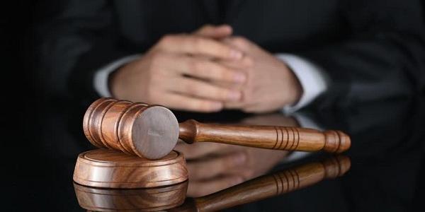 Майже три роки міліціянт Кіпченко доводив у суді свою невинуватість, а тепер потерпілий попрохав закрити справу