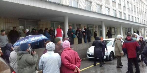 «Если Магомед не идет к горе»: кременчужане пришли в мэрию на «разборки» с мэром