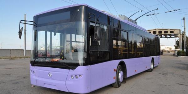 Мэр Кременчуга хочет сесть за руль нового троллейбуса в конце марта