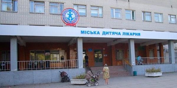 До Кременчуцької дитячої лікарні доставили хлопчика після побоїв