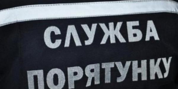 У центрі Кременчука рятувальникам довелося лізти у квартиру на першому поверсі