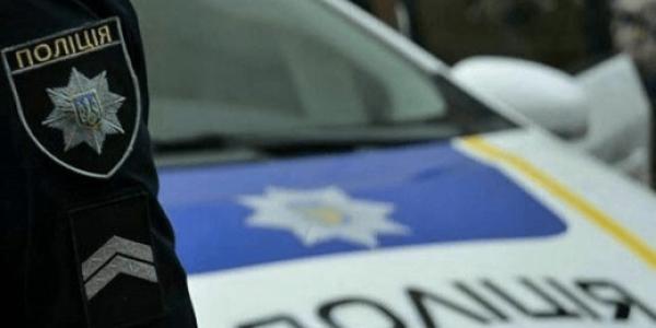 Не сховалась: патрульні затримали кременчужанку із наркотиками та краденим смартфоном