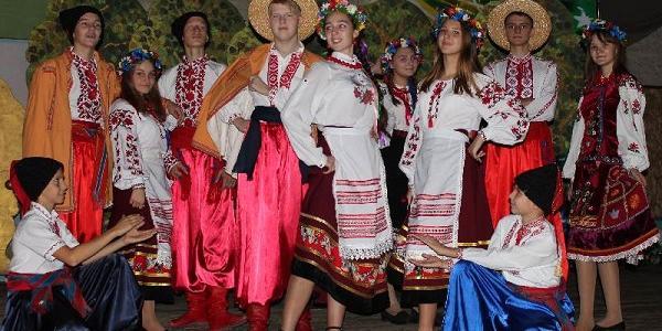 У кременчуцькій школі №19 показали, що козацькому роду нема переводу