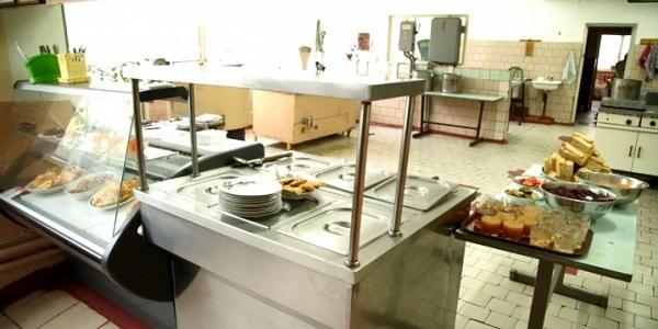 Кременчуцька гімназія № 6 залишилася без кухарів