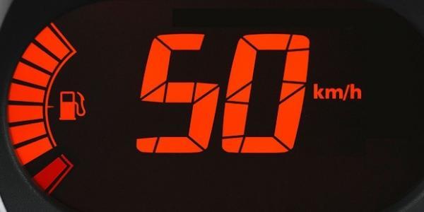 Тисни на гальма: з 1 січня швидкість у містах обмежена до 50 км на годину