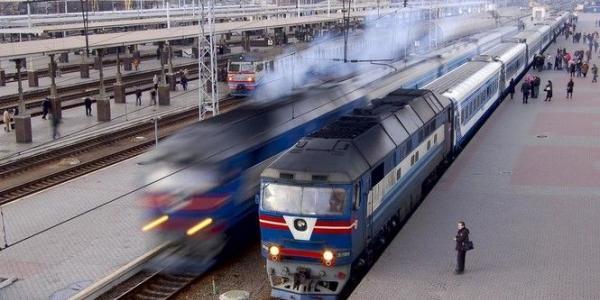 До уваги кременчужан: 47 пасажирських поїздів змінили рух через вибухи на складі боєприпасів під Вінницею
