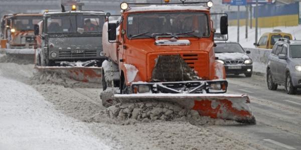 Дороги в Кременчуцькому районі чистить Міжнародний будівельний консорціум