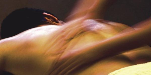 Кременчужан засыпали приглашениями на отдых с горячими девушками