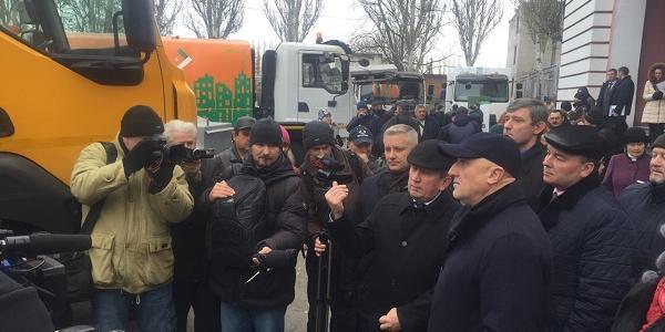 Губернатор Головко пообещал разобраться с проблемой частичного отсутствия тепла в нескольких десятках домов Кременчуга