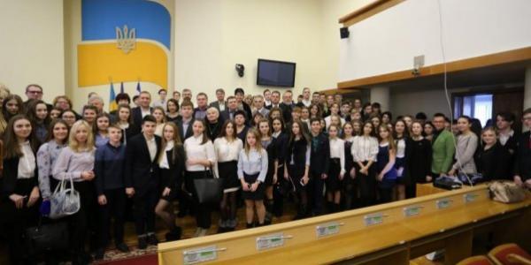 МАН дала новий старт: юні науковці Кременчука розпочали захист робіт