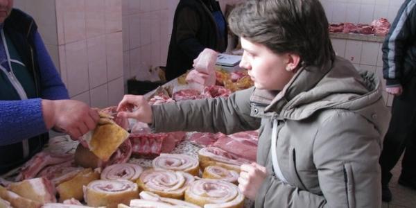Рекомендуємо присісти: за рік в Кременчуці м'ясо і вершкове масло здорожчали на півсотні гривень