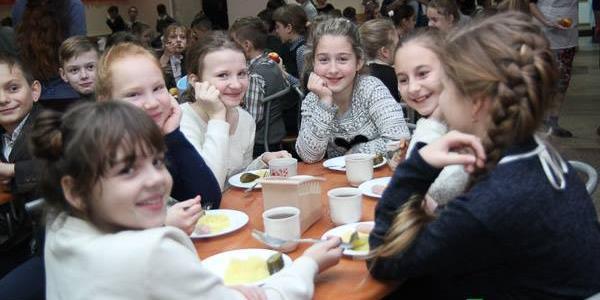 Більше 18 мільйонів гривень передбачено на безкоштовне харчування школярів