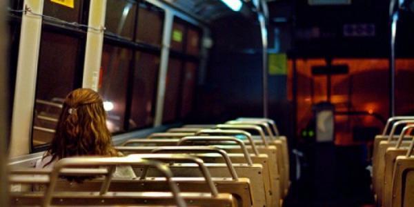 Працівників Кременчуцького НПЗ після вечірньої зміни вивозитимуть двома тролейбусами