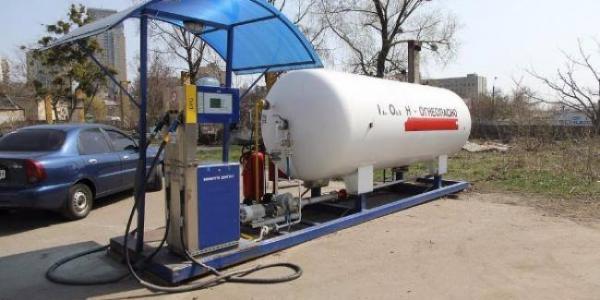 Мэр Малецкий отбеливает нарушителей - скандальную газовую АЗС в 278 квартале