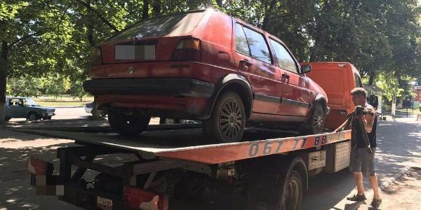 Патрульні Кременчука знайшли розшукуваний Volkswagen Golf