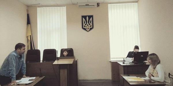 Суд відклав розгляд позову Медведовського-молодшого про повторне поновлення на посаді у «довгу шухляду»