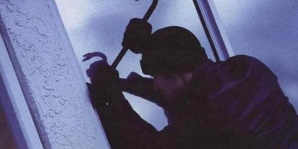 Віджимають вікна та ламають замки: як злодії обкрадають кременчужан