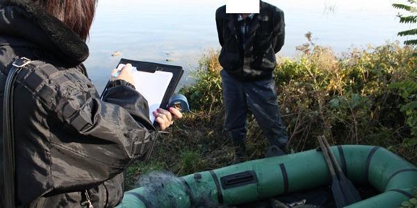 Кременчужанин у Дніпродзержинському водосховищі «нарибалив» собі на кримінальну статтю