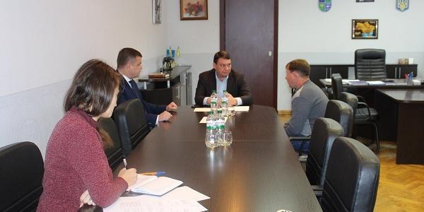 Віце-губернатору Пісоцькому жителі Кременчуцького району скаржилися на туалет, просили зберегти маршрут на Рокитне та інше