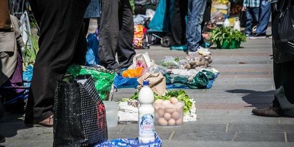 В мерії відзвітували про рейди по стихійним торговцям: молоко та гриби у «тренді»