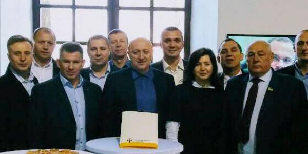 Вице-мэр Кравченко побывал у Яценюка на съезде «Народного фронта»
