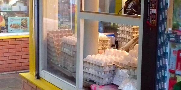 37 грн за десяток: у Кременчуці небачена ціна на курячі яйця