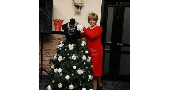 В Кременчуге появилась новогодняя елка-платье